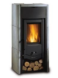 stufa a legna usata con forno